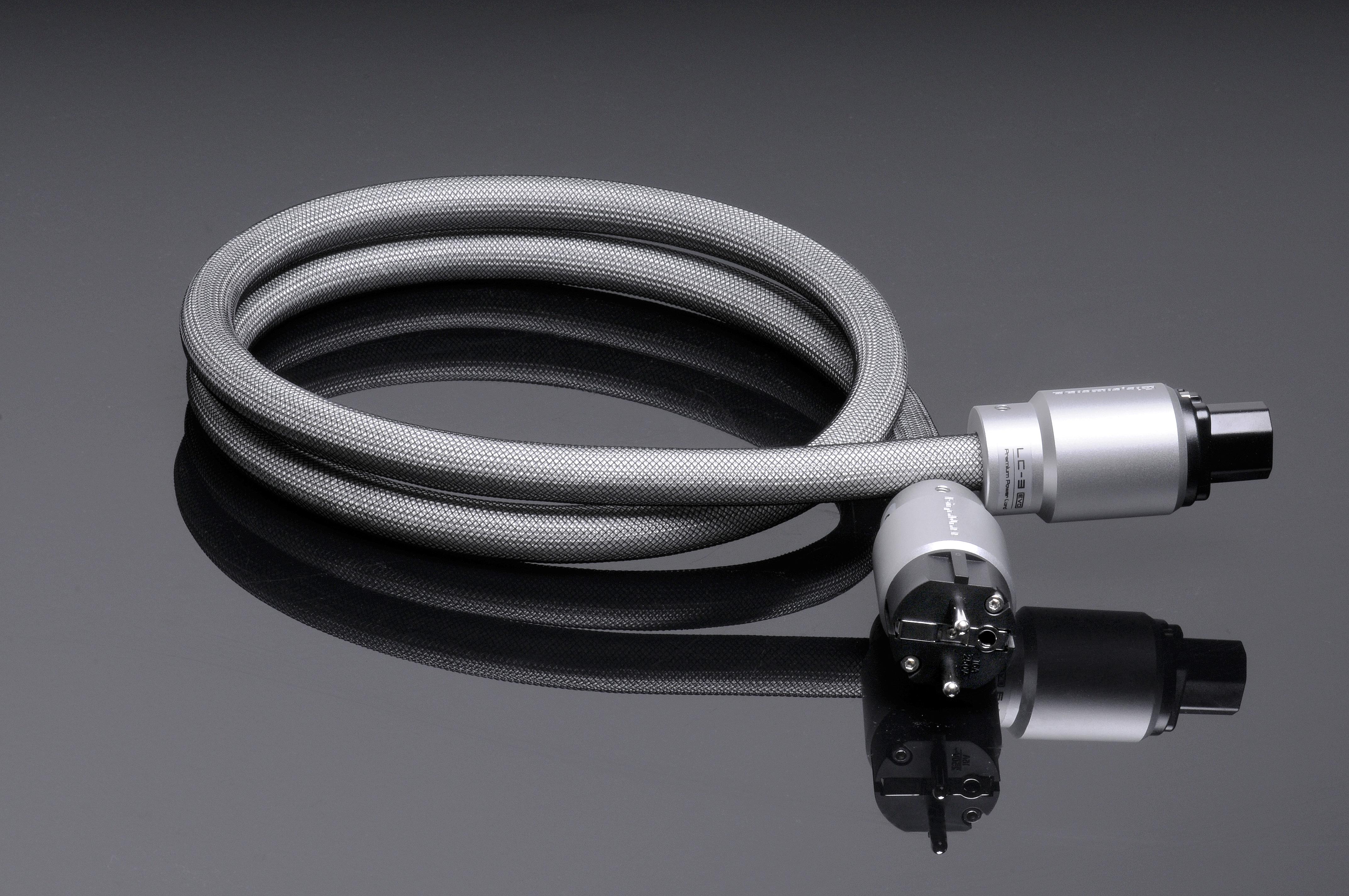 Napájací kábel GigaWatt LC-3 EVO
