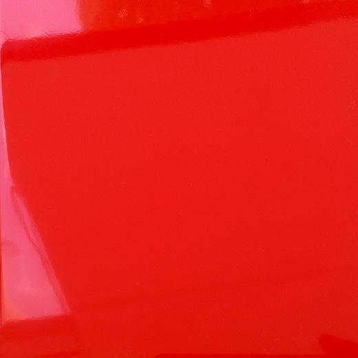 FG Lakovaná Červená